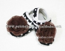 Baby Black White Polka Dots Crib Shoes with Brown Rose MAS52