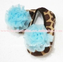 Baby Giraffe Crib Shoes with Light Blue Rosettes