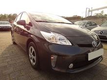 Toyota Prius Executive Hybrid Car (Left Hand) - Internal stock No.: 31082