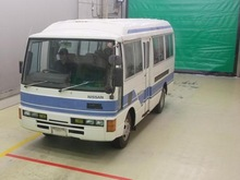 Nissan 1988 autobús civil/26 plazas/5050-10223 id