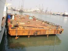 Dumb barge