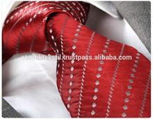 Red tie, necktie, neck tie, corbata, gravate, krawatte, cravatta, fashion tie