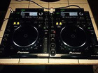 2 CDJ 2000 with Soft Travel Case