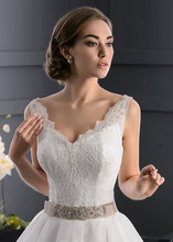 Top quality aline french lace design wedding dress