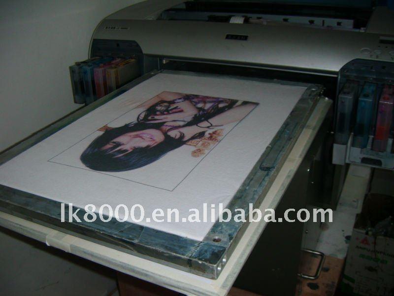 الطباعة المباشرة على الملابس آلة