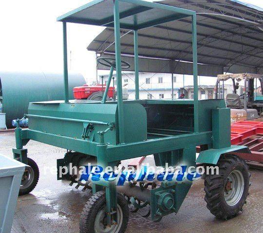 best-selling organic fertilizer granulator mobile manure compost turner 0086-37167670501