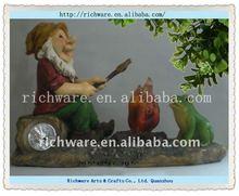 Polyresin Gnome Solar Light Garden Ornament