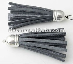 Leather tassel with brass cap