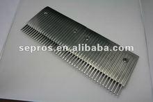 Escalator comb