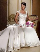 2012 Custom Made Winter Sheath Long Sleeve Sweep Train Beautiful Gown White Christmas Wedding Dress