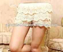 2012 fashion elastic waist lace shorts