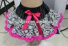 Negro damasco Pettiskirt de los niños del traje de la danza con borde rosado caliente