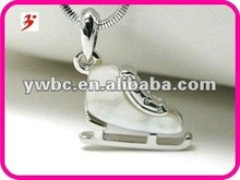 White gold plating mother of pearl skating shoe pendant necklace