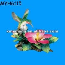 resina flor de hibisco e beija estatueta