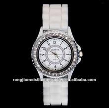 2012 new design quartz watch japan movt 100% silicone strap