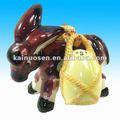 Vintage cerâmica pintado à mão burro com sal e pimenta sack ou jarro shakers 3 piece set
