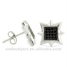 El oído negro y blanco formado cometa claveteada de los pendientes del perno prisionero de la venta al por mayor del diamante de la CZ tachona Piercings-SMFE236