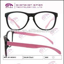 nero moda occhiali di plastica