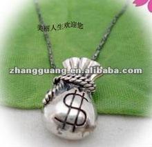 2012 fashion sea rover pirate purse design alloy necklace