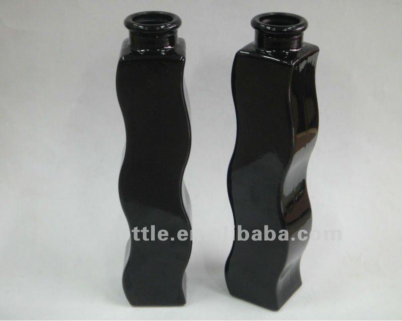 S shaped black color glass vase