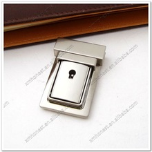 Zinc alloy bag closure