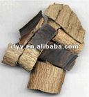 Organic dried herbs of Eucommia ulmoides extract