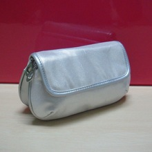 2012 hot fashion silver affordable cosmetic bag