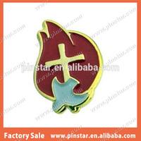2014 New Custom Metal Hotsale Holy Spirit Trinity Dove Gold Plated Red Enamel Lapel Pin Badge Brooch