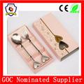Regalo de boda& artículos promocionales de acero inoxidable tenedor y cuchara conjunto/set de cubiertos con forma de corazón manejar( hh- cubiertos- 193)