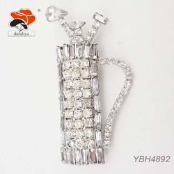 glamorous flashing acrylic stone crystal golf bag brooch china jewelry wholesale
