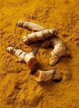 Curcumin extract 95% hplc organic turmeric curcumin powder Natural turmeric root extract powder 95%