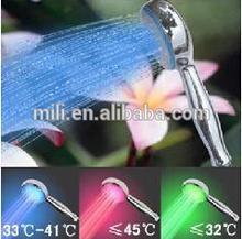 2014 China fornecedor mudando a cor temperatura controlada LED piscando chuveiros
