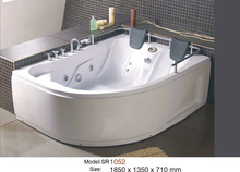 small bathroom bathtub