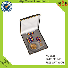 2015 hot sale Factory price custom gold medal with ribbon in box