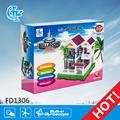 بيت بلاستيكي نموذجي fd1306 كتلة لغز لعبة من البلاستيك المنزل