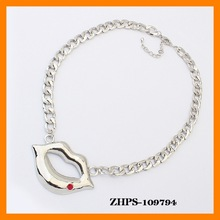 2014 hot sale exaggerated Sexy lipstick flash rhinestone necklace