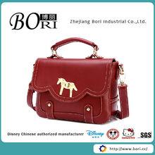 handbags with lots of pockets