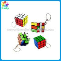 Fashion new 3cm cube plastic design 3D puzzle keychain