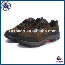 Latest cheap outdoor waterproof men sport shoes