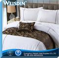 Bordada bonita 2012 100% um algodão listra marca lençóis fabricante