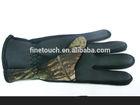 Neoprene swimming glove with finger
