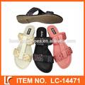 การออกแบบสานสีพิเศษแบนรองเท้าแตะสำหรับผู้หญิง