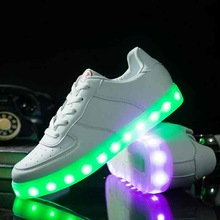 Wholesale fashion recharged Led sneakers