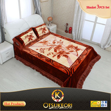 2015 Polyester wholesale Blanket Bedcover and pillows