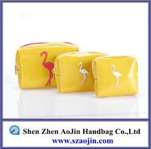 2014 all new design shinny cosmetic bag free sample