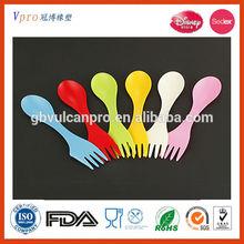 Haute qualité et nouveau style 100% qualité alimentaire 6 peça Silicone spoon & fork pour les enfants