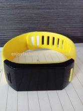 2014 New design circular Bluetooth 3.0 Smart Wristband Smart Bracelet Sport/sleep Tracking