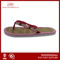Coface stuoia di paglia sulla spiaggia ragazze estate scarpe
