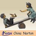 Güzel bronz çocuk heykeli ntbh- c015