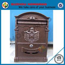 cast iron and aluminum mailbox in Imitation bronze
